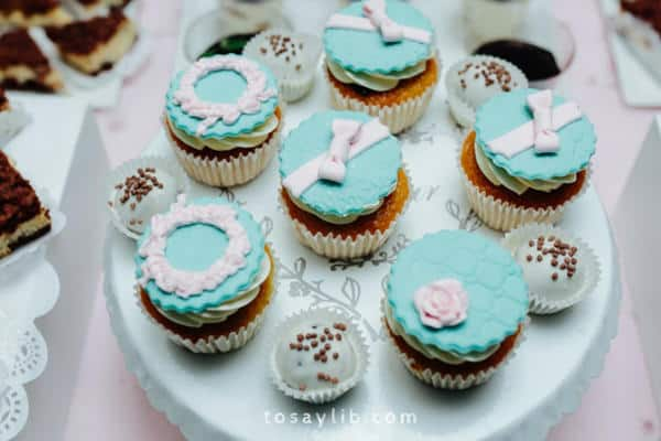 cupcakes at a wedding party