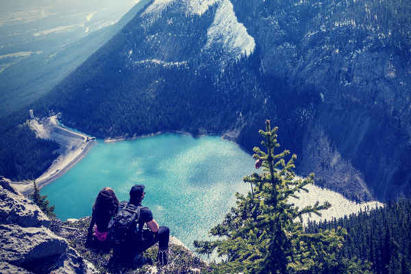 couples up on the mountain stunning view