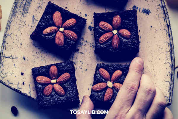 chocolate brownie almond
