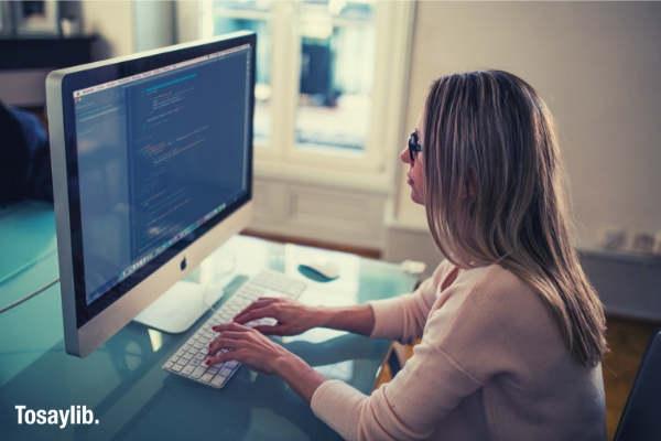 marketing woman office working