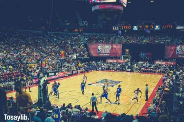 basket ball game people watching crowd
