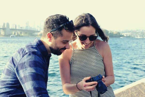 pair-human-photograph-friendship