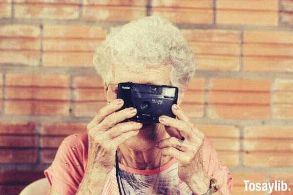 grandma_kodak_camera