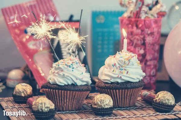 cupcakes candles ferrero chocolates