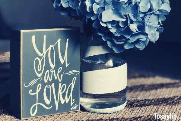 gift you are love text flower blue vase