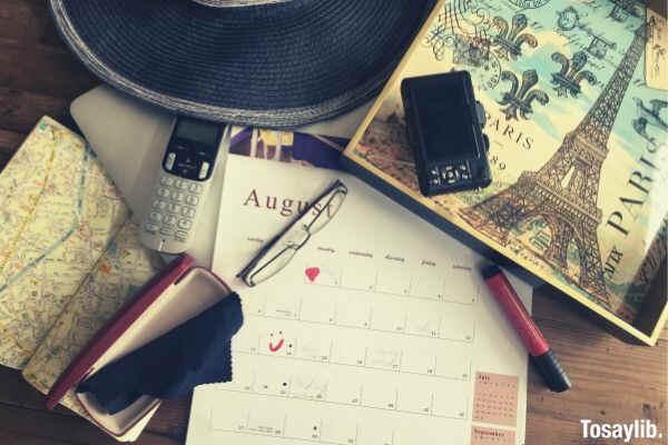 summer plans calendar phone camera