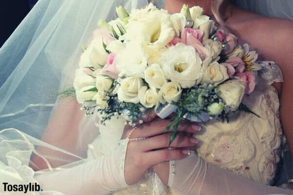 bouquet bouquet hands smiling lips smile dress wedding wedding wedding flowers flowers bride