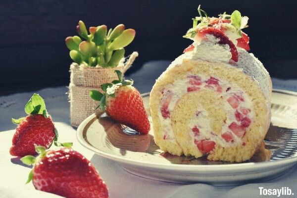 strawberry roll strawberry cake slice