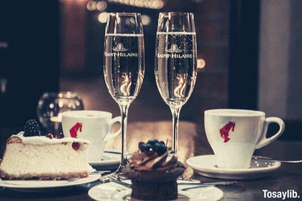 dinner date wine glass