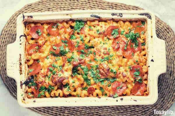 baked macaroni tomato sauce