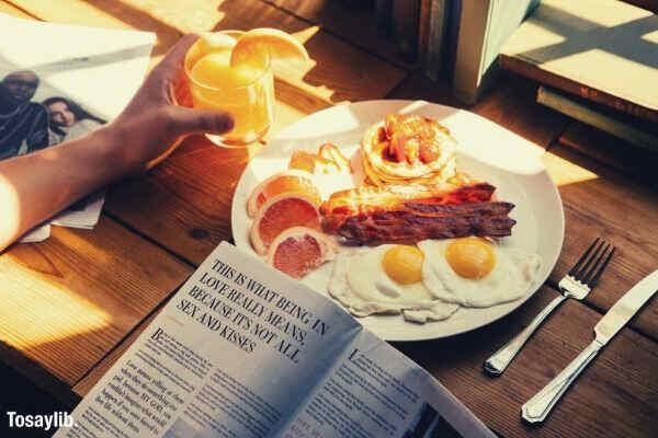 breakfast egg bacon pancake juice orange magazine