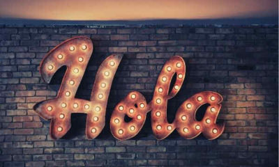hola-LED-signage-wall-light