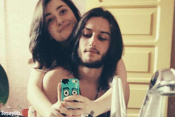 mirror couple selfie