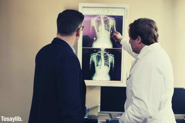doctor explaining xray result