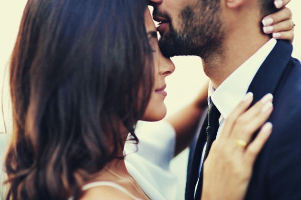 kiss-man-and-woman-formal-photo-couple