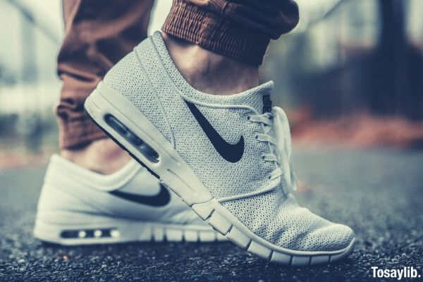 nike shoes grayish white