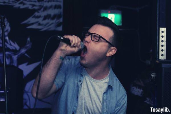 01 man singing in karaoke
