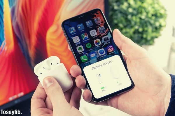 04 Apple airpods iphone charging case