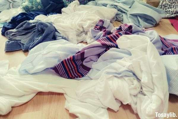 also laundry used shirts