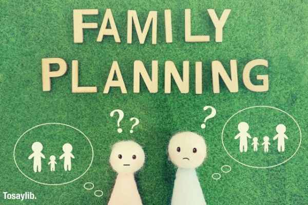 02 family planning green background dolls drawing