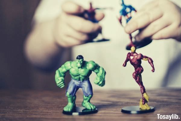 heroes incredible hulk and iron man action figures