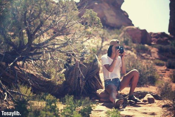 nature photography sun summer hat desert hiking utah arches landscapes capture explore tan polaroid