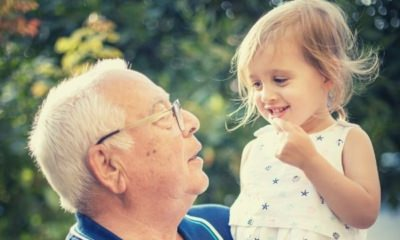 feature-grandpa-celebrate-birthday-granddaughter