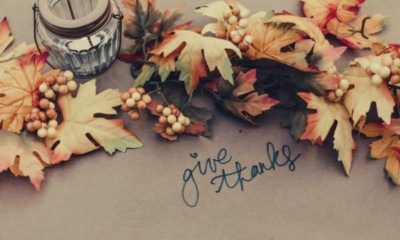 feature-thanksgiving-icebreaker-questions-give-thanks-leaves