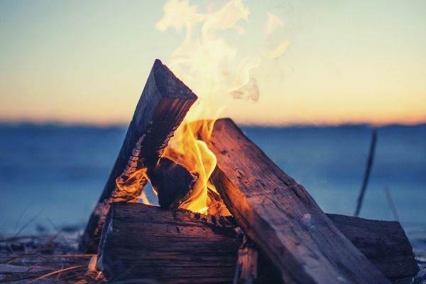 bonfire-wood-near-sea-words-to-describe-fire