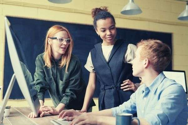 photo-of-people-near-computer-office-ways-to-say-quick-learner