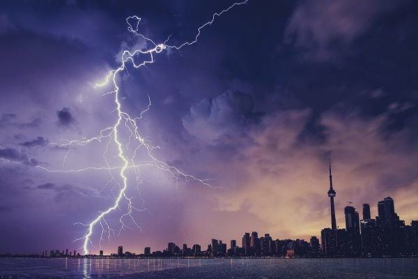 words-to-describe-storm-lightning-and-gray-clouds-above-the-city